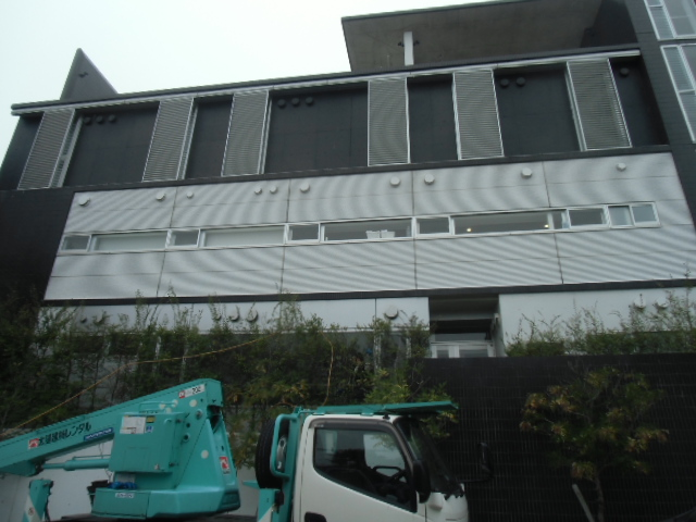 福岡市早良区病院外壁パネル洗浄工事
