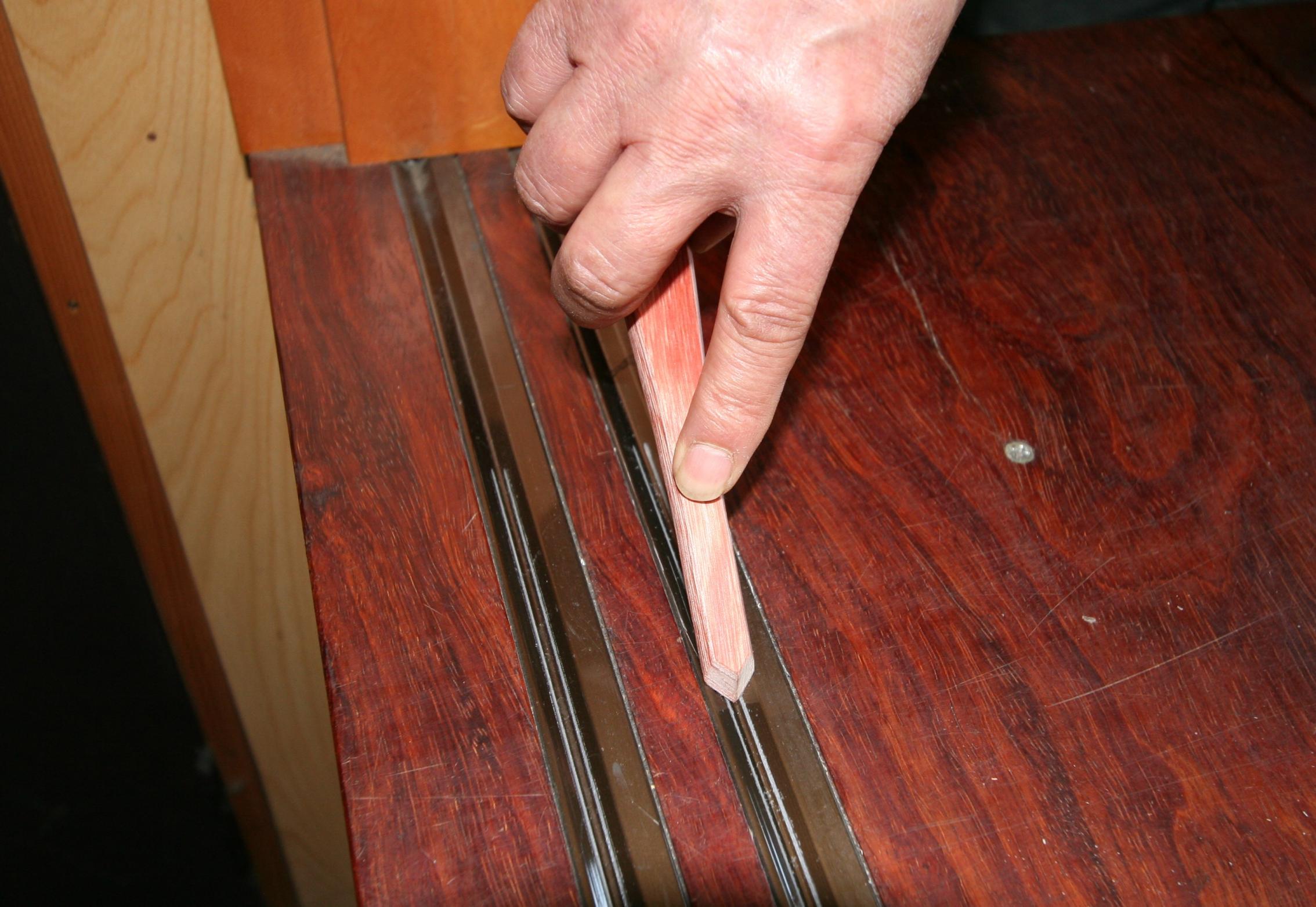 強化木製レールクリーナー