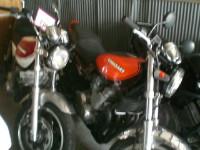 ネイキッドバイク画像