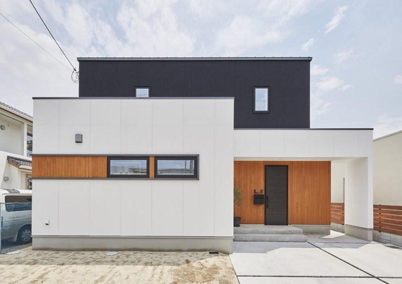 WHITExBLACKxWOOD HOUSE