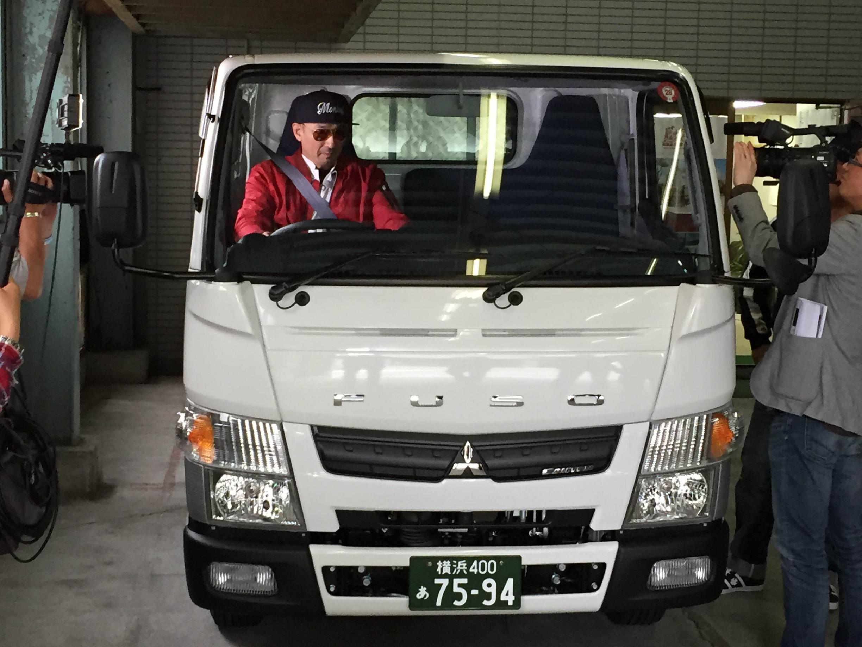 元社員クレイジーケンバンド横山剣さん来訪