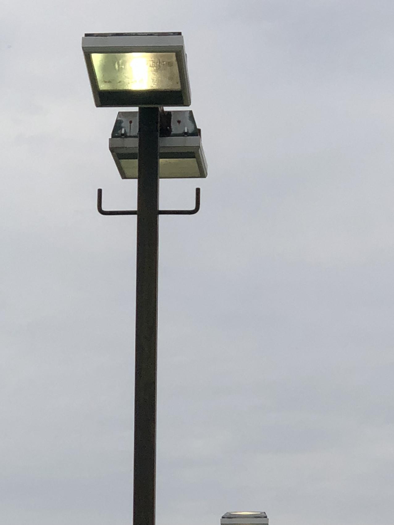 ガレージポール照明改修工事画像