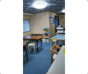 学研豊玉南3丁目教室,幼児さんは先生側に専用の椅子。