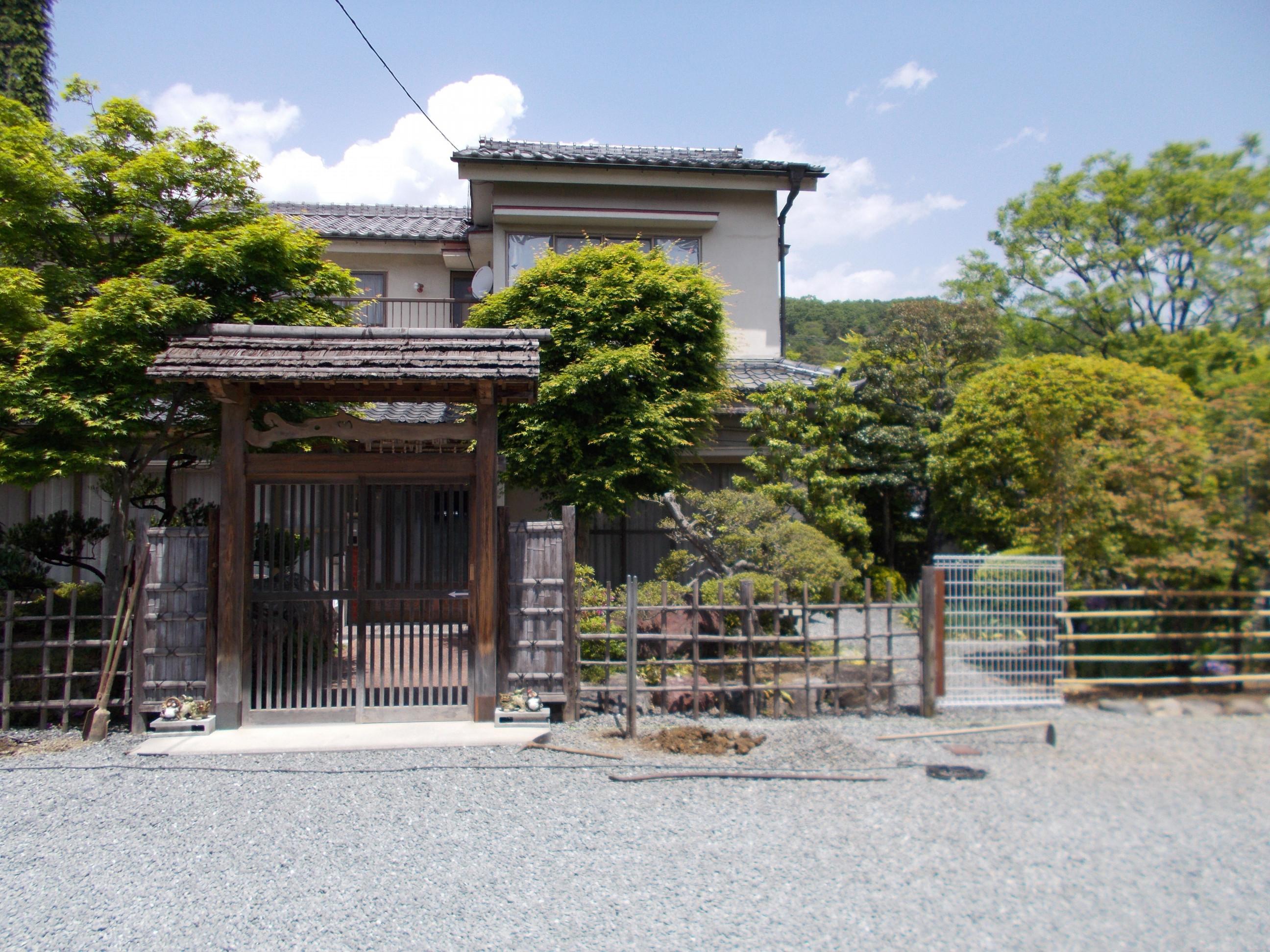 四ツ目垣(アルミ柱・プラ竹使用)①施工前