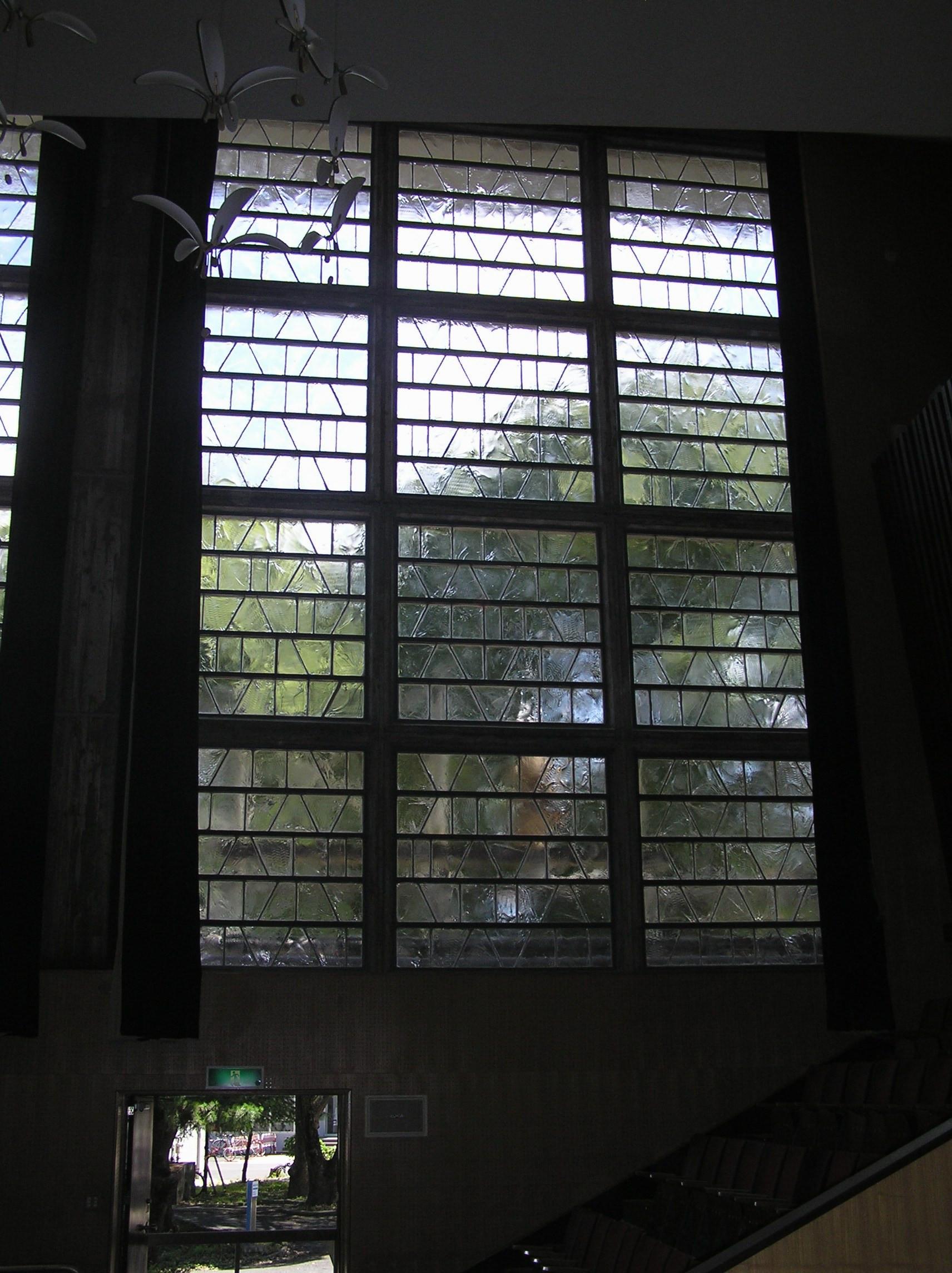 九州工業大学講堂完成・内2画像1