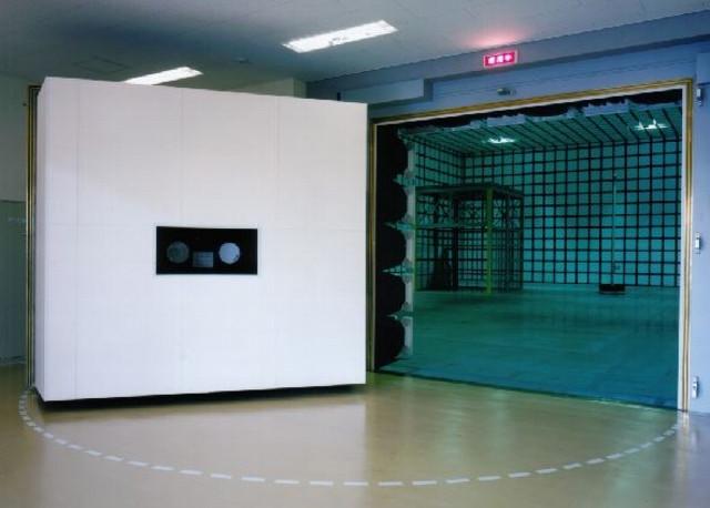 GE横河メディカル電波暗室