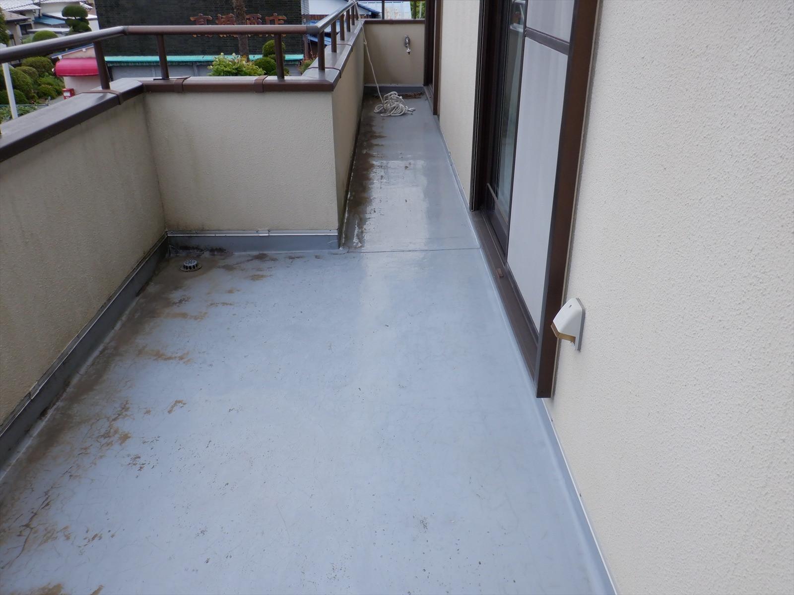 藤沢市 雨漏りによるベランダ防水工事画像2