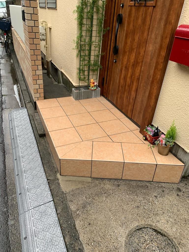 擁壁と床タイル貼り画像04