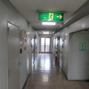 マンション中廊下画像01