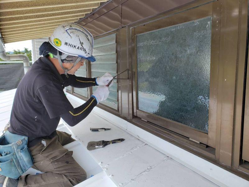 窓廻りの改修工事の様子です
