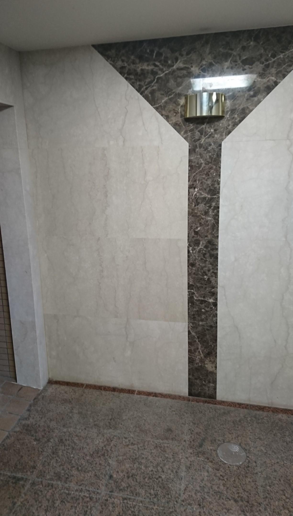 壁、床石貼り画像