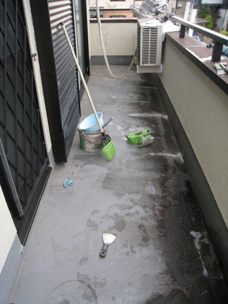 ベランダからの雨漏り