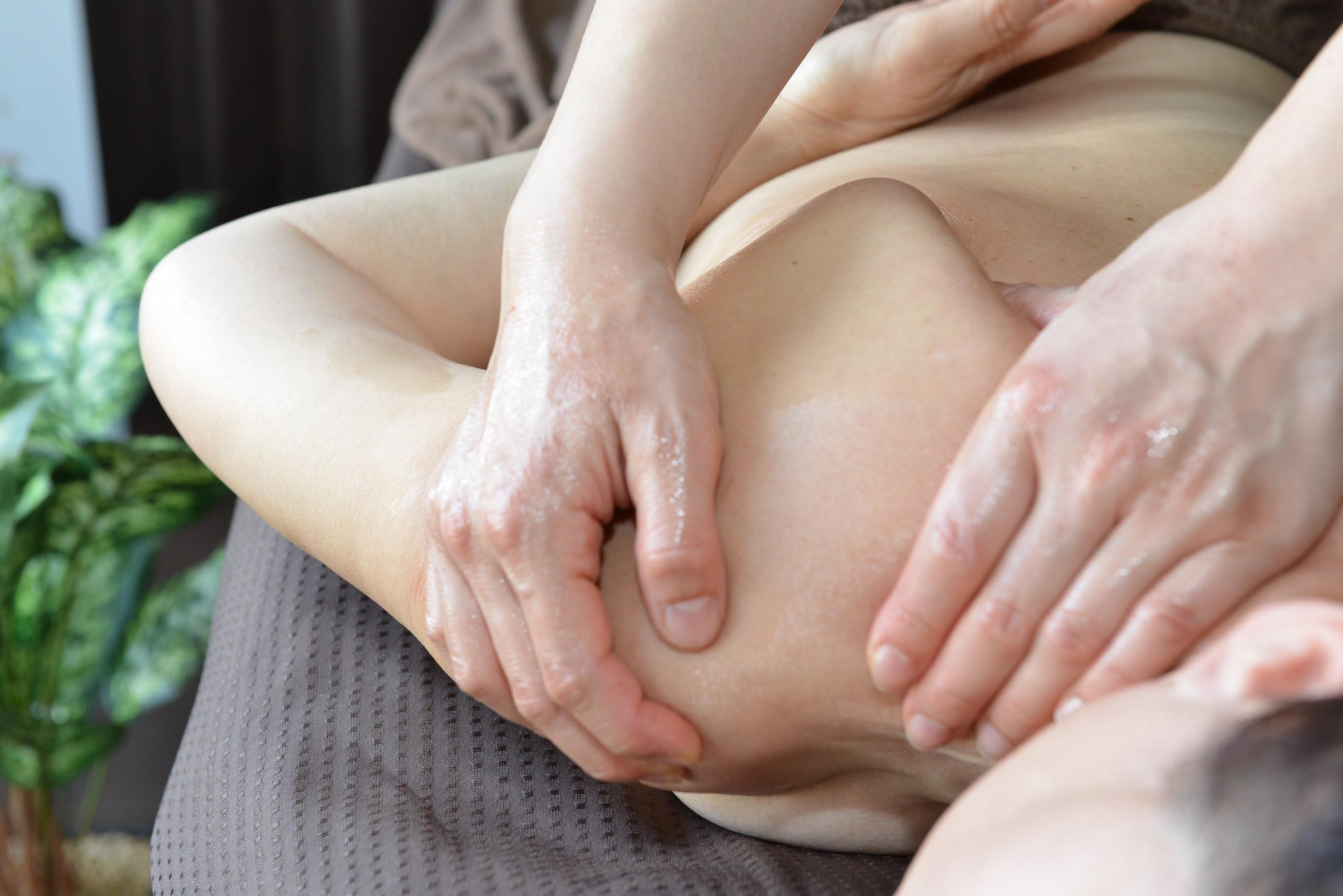 2.初回限定【首肩背中のコリに人気プラン】筋膜リリース上半身(40分)