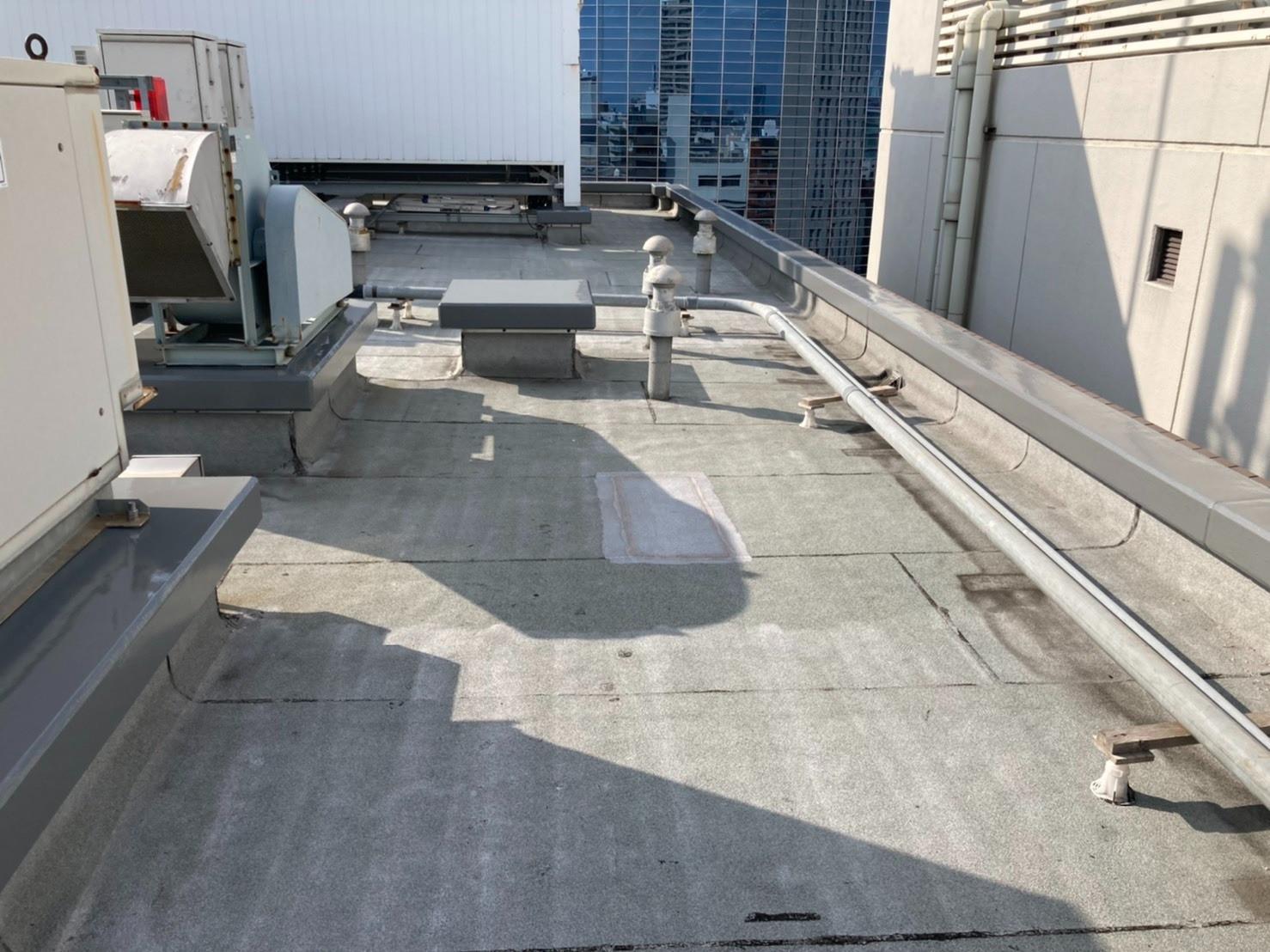 大阪市 マンション屋上 250㎡ 塩ビシート防水 機械固定工法 before画像