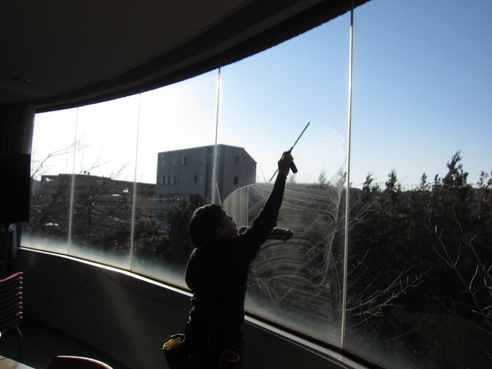 横浜市/施設      ◆ガラス清掃 画像