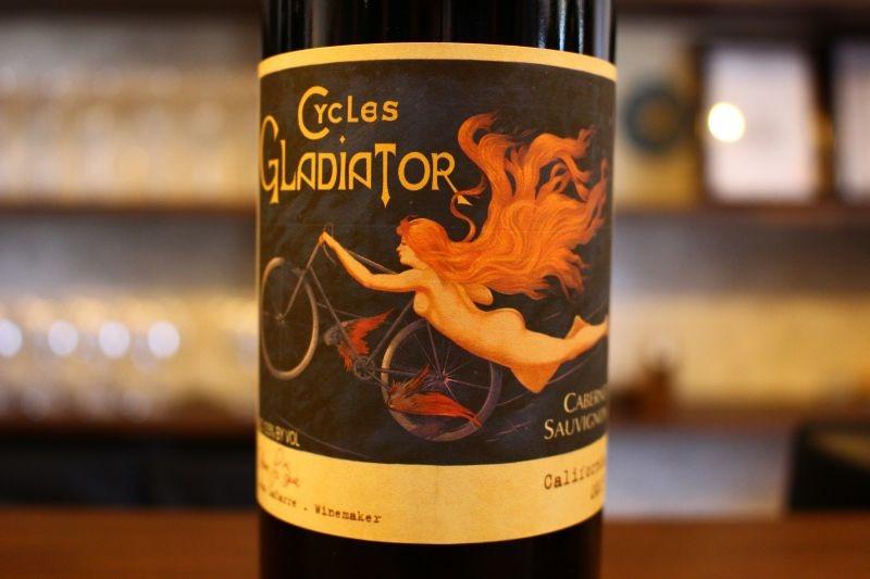 カベルネ・ソーヴィニヨン カリフォルニア 2015  サイクルズ・グラディエーター アメリカ/カリフォルニア/赤カベルネ、カベルネフラン プティ・ヴェルド ミディアム〜フルボディ アメリカのワイン法では一定基準を満たせば、100%でなくてもその品種を名乗れます。ワイン専門誌でも軒並み高評価を獲得!カリフォルニア コスパの代表格!とってもジューシー