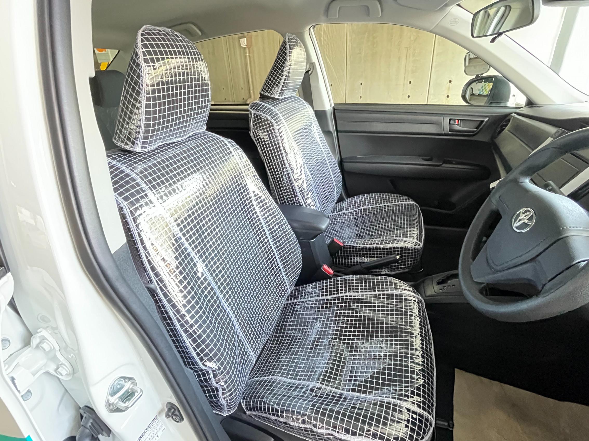 糸入り座席カバー 施工させて頂きました