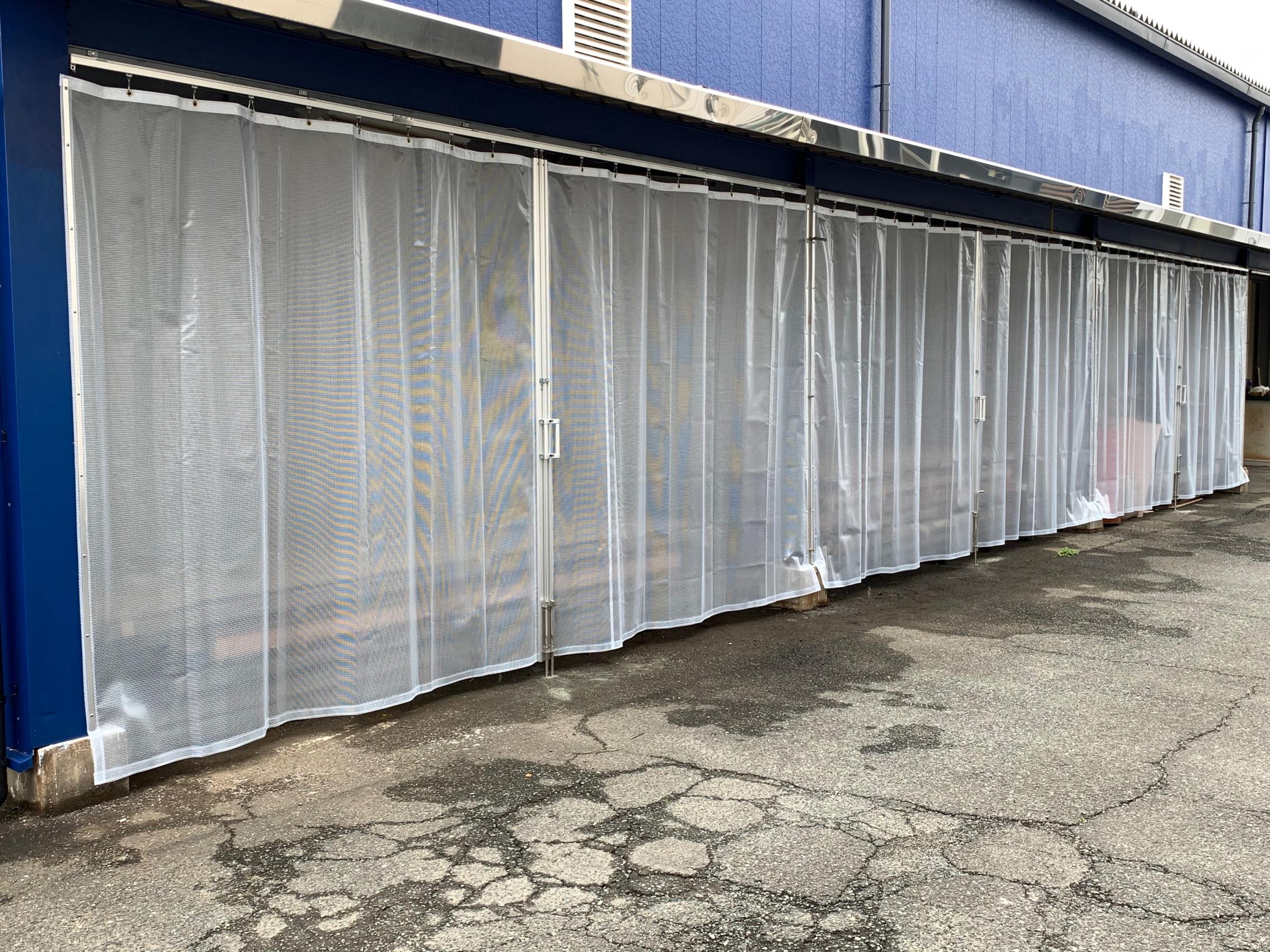 福岡県にて 間仕切りカーテン 設置させて頂きました。