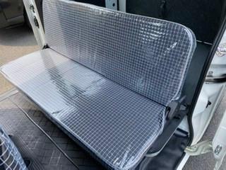 大分県にて 座席カバー(透明糸入り) 製作させて頂きました。