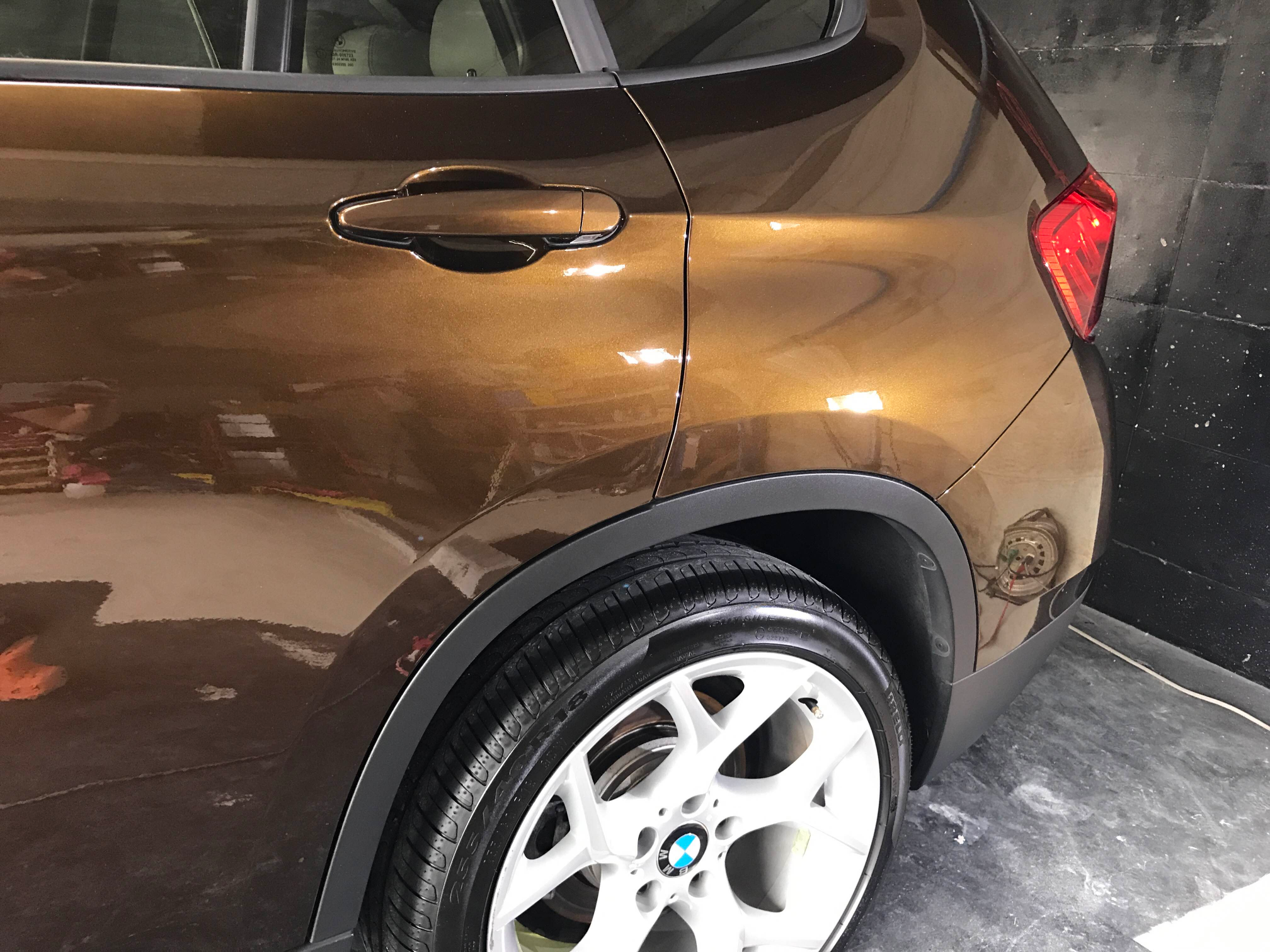 BMW X1 液体ガラスコーティング