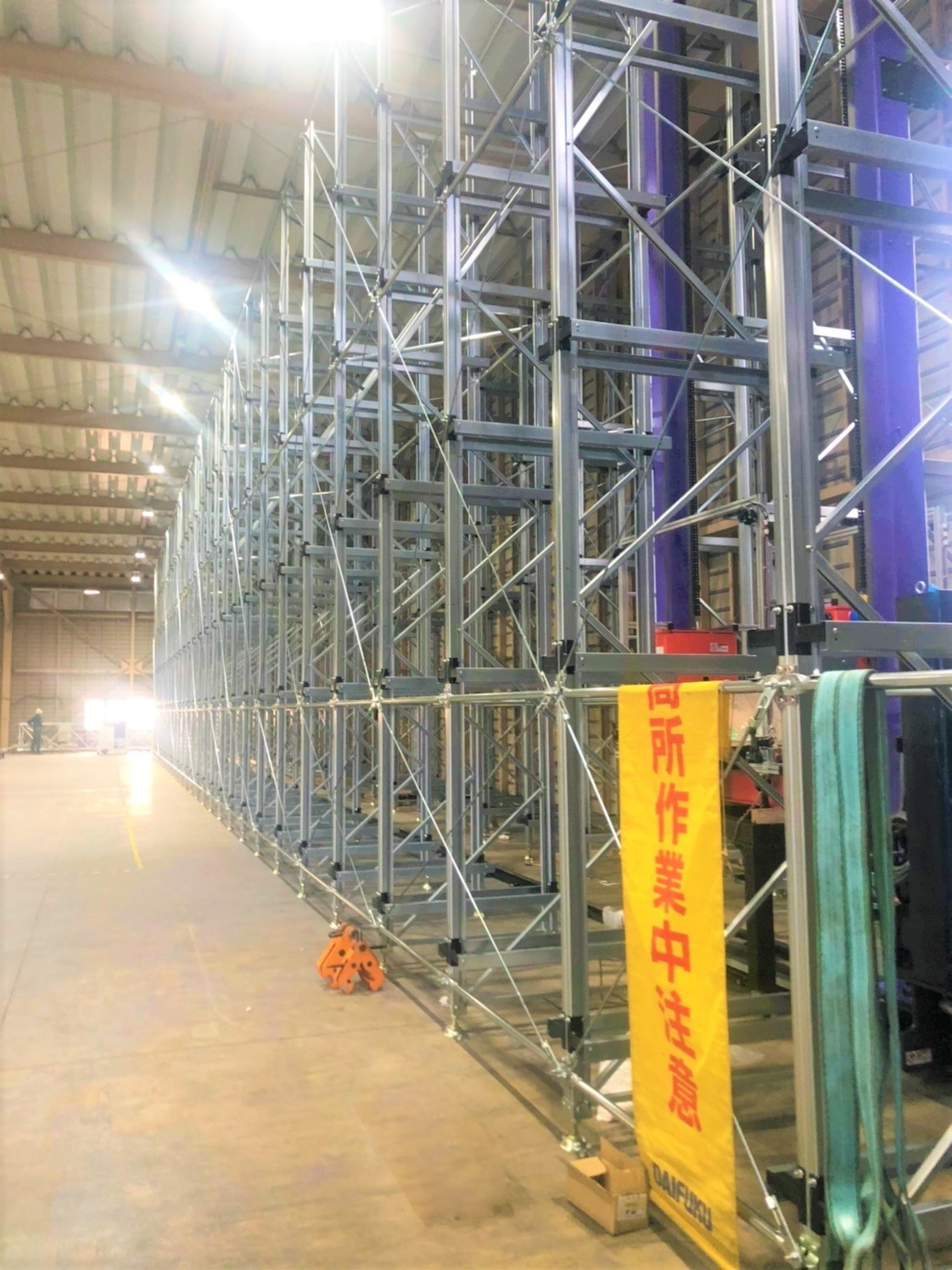自動倉庫CS新設機械工事を行っております