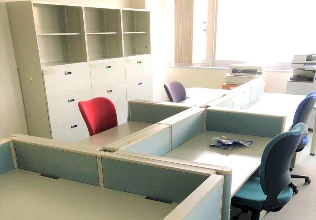 オフィス家具引越工事を行いました