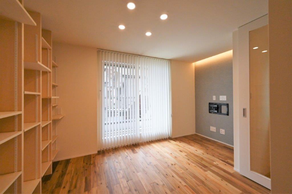 狭小地でも建築家の巧みなアイディアで 自然の光と楽しめる家