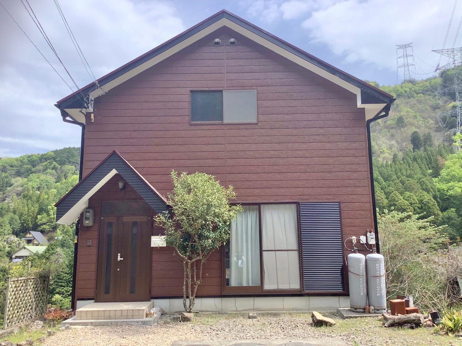 外壁・屋根塗装 別荘 シリコンREVO1000