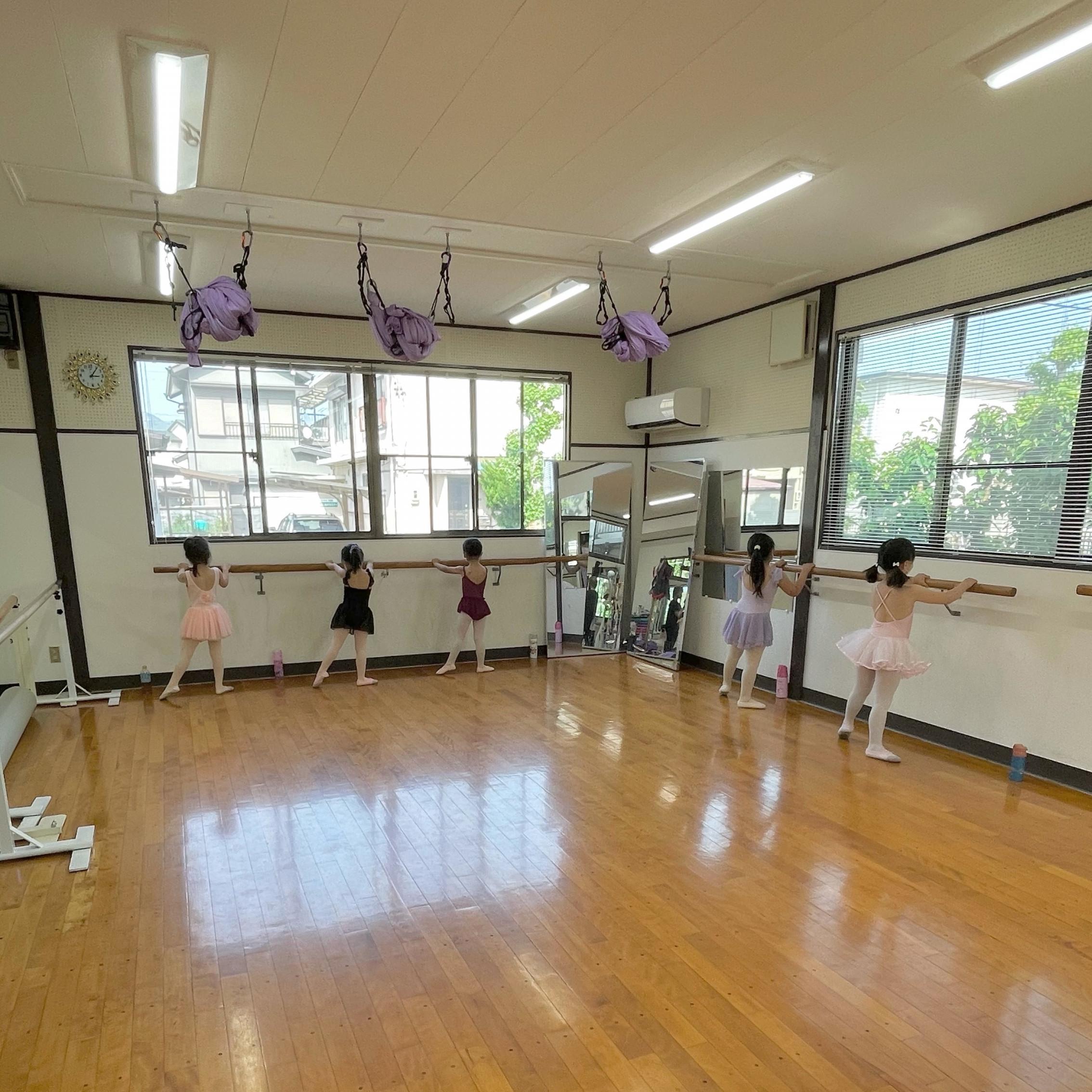 日曜日バレエジュニアクラス