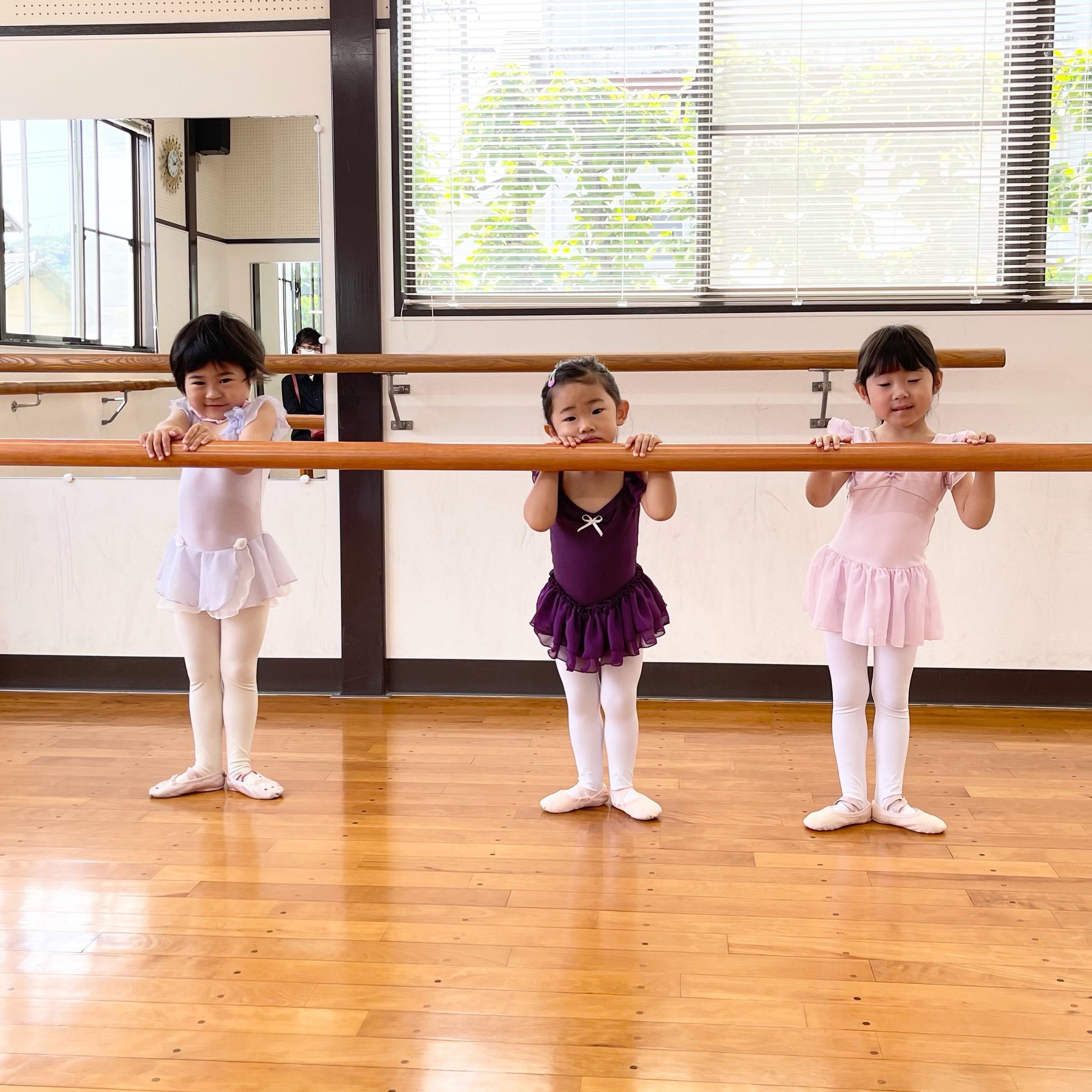 2歳のお子さまからレッスン可能なバレエ教室です