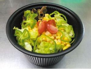 コーンたっぷりサラダ