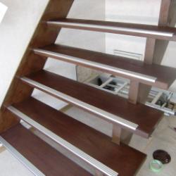 室内 木製階段再塗装の巻!!!画像