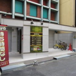 大阪ミナミの店舗エントランス改修工事、完成!!画像