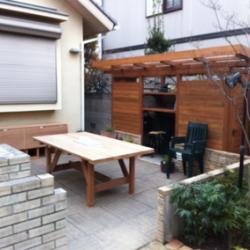 池田市 木製物置・テーブル画像