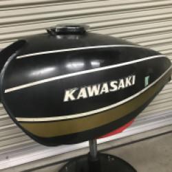 KAWASAKI Z1 バイクタンクリペア!