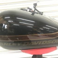 Harley-davidson ブレイクアウト ガソリンタンクの凹み修理