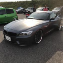 BMW Z4 ガンメタ ラッピング
