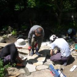 日本庭園の技を継承画像