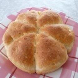 カマンベールチーズ入りライムギパン(1)