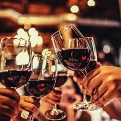お酒も美味しいと大人気!